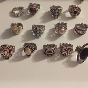 Set of 13 stretchy rings paparazzi